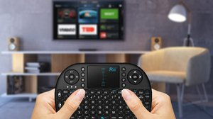 Mini wireless keyboard controllers