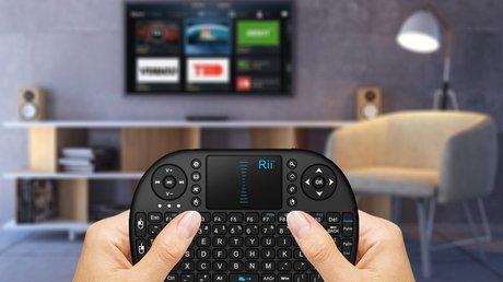 Mini wireless keyboard controllers