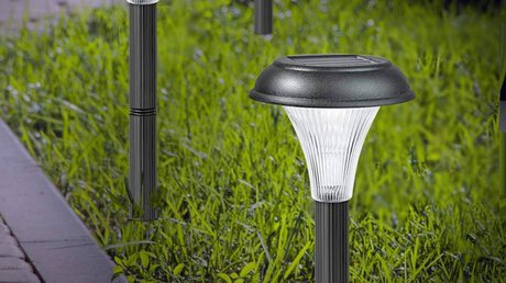 Pathway lights for outdoor